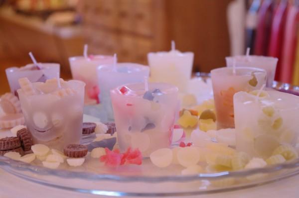 7 Ways Aromatherapy Candles Increase Female Hormones