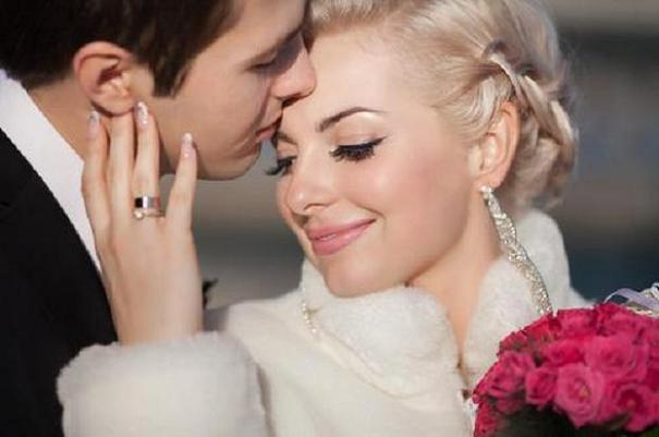 7 ways to get closer to him using love charms