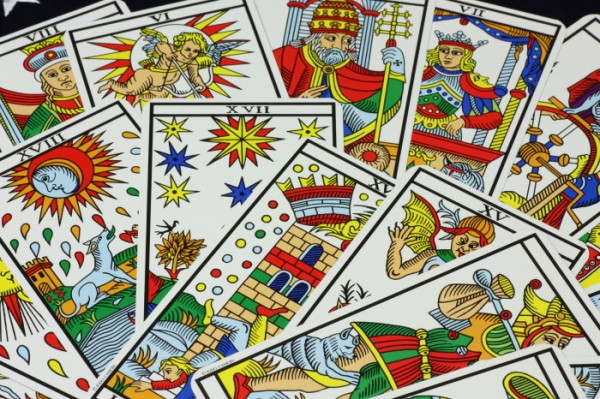 9 tips to understand Tarot card meaning well